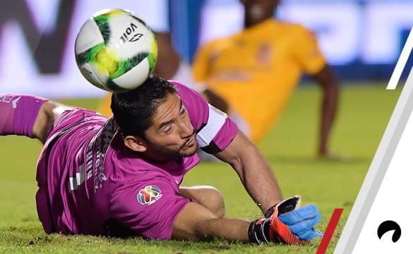 Jose de Jesus Corona Cruz Azul vsSantos Laguna Betting Odds Preview Liga MX soccer Mexico