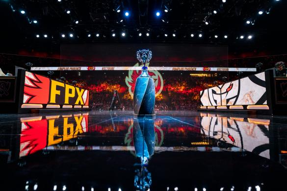 FunPlus Phoenix and G2 face-off at the 2019 League of Legends World Championships