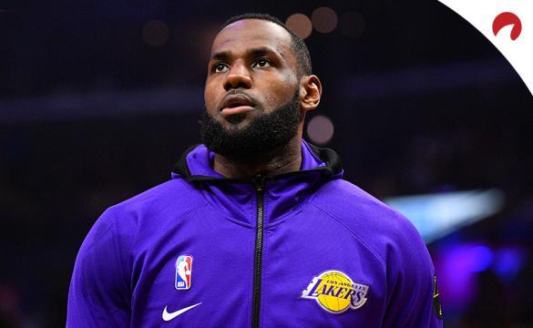 NBA Restart Season Props July 2 2020 LeBron James warming up before tip-off