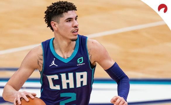 LaMelo Ball with the Charlotte Hornets is back to being the favorite for NBA Rookie of the Year.