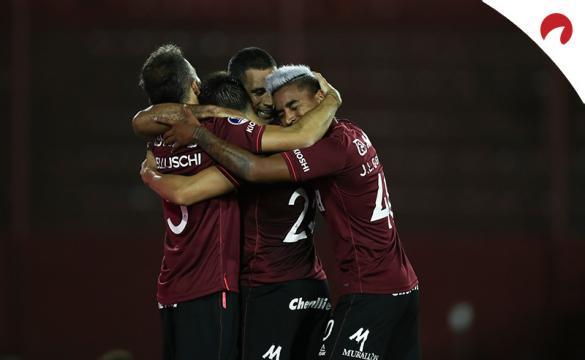Jugadores del Lanús celebran su pase a la final de la Copa Sudamericana: Lanús Vs Defensa y Justicia