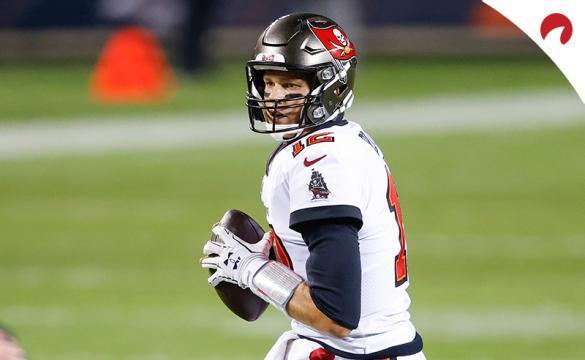 Tom Brady prepara un lanzamiento antes del próximo Super Bowl 55