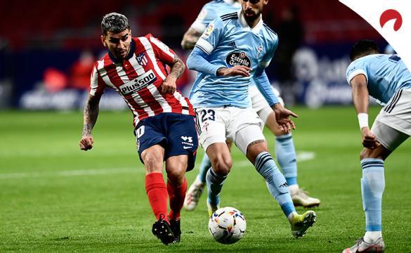 Ángel Correa dispara a portería. El delantero tratará de volver a marcar en el Levante Vs Atlético de Madrid de LaLiga.