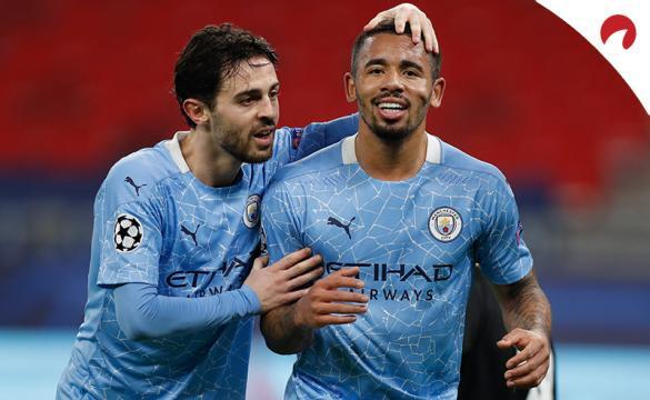 Gabriel Jesus celebra un gol con Bernardo Silva. Conoce las cuotas del Manchester City Vs West Ham de la Premier League.