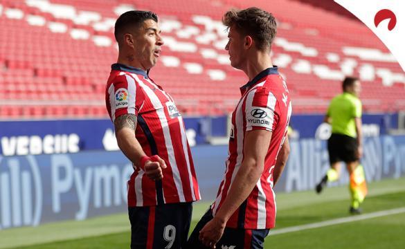 Luis Suárez y Llorente celebran un gol. Encuentra las cuotas y los pronósticos del Atlético de Madrid Vs Athletic Club.