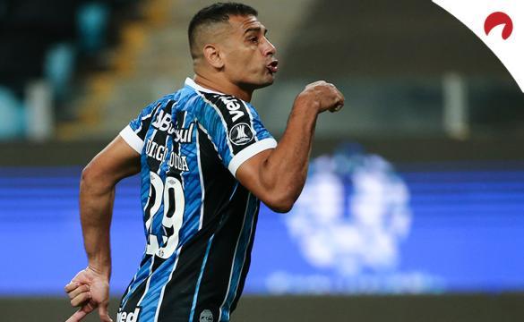 Diego de Souza Andrade celebra un gol. Conoce las cuotas del Independiente del Valle Vs Gremio