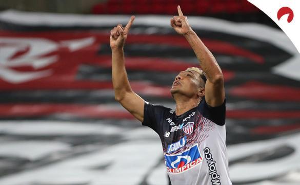 Teófilo Gutiérrez alza los brazos al cielo celebrando un gol. Mira las cuotas del Bolívar Vs Junior