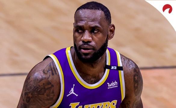 Lakers com caminho mais longo pela frente.