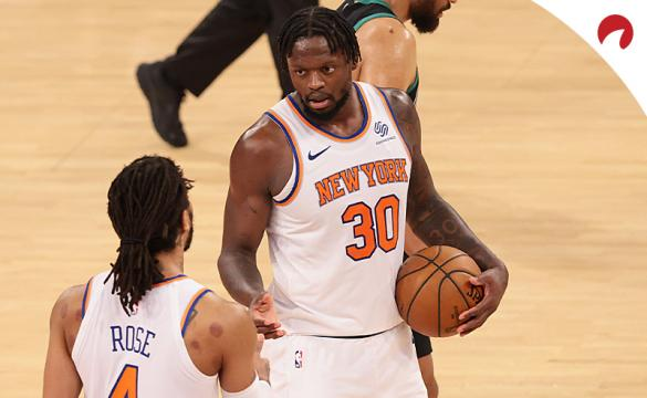 The New York Knicks face the Atlanta Hawks in the first round of the playoffs and you can bet their series price odds.
