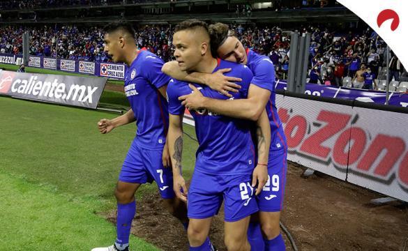 Jonathan Rodriguez celebra un gol y puede ser clave en la final del Guard1anes 2021 en este Cruz Azul vs Santos Laguna.
