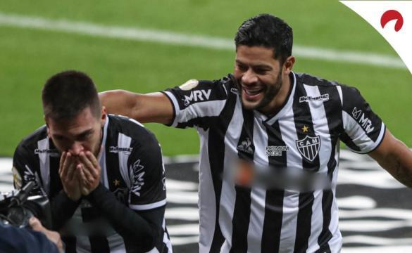 Atlético leva vantagem contra Chapecoense.