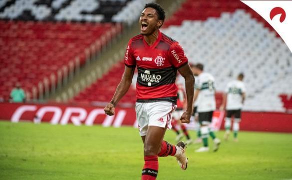 Flamengo enfrenta Bragantino no Brasileirão 2021.