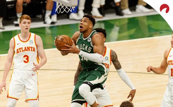 Giannis Antetokounmpo de los Milwaukee Bucks son favoritos por las casas de apuestas para ganar la NBA 2020/21