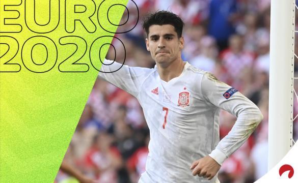 Álvaro Morata celebra el gol anotado contra Croacia. Cuotas y picks Suiza vs España, Euro 2020.