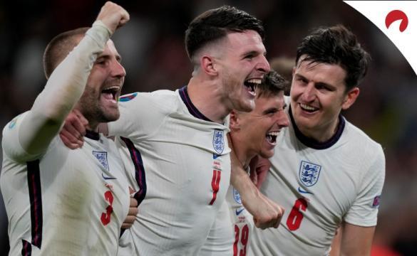 Inglaterra enfrenta Itália.