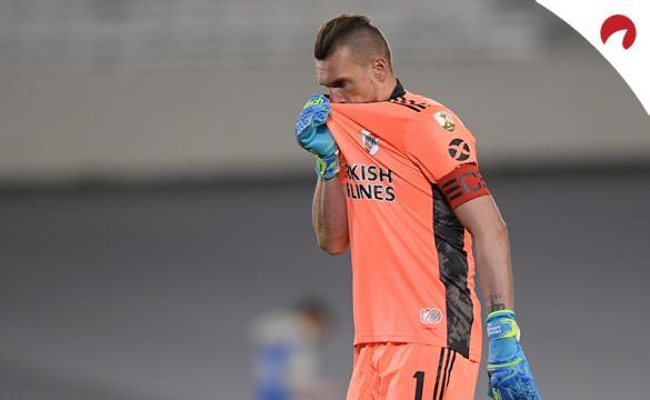 Franco Armani antes de un partido de la Libertadores. Conoce los pronósticos del Argentinos Juniors vs River Plate