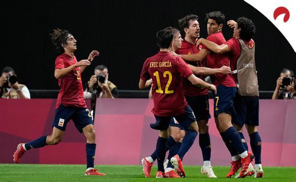 Los jugadores de la Rojita se abrazan en los Juegos Olímpicos. Conoce los pronósticos del España vs Argentina.