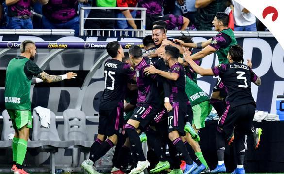 Jugadores de México celebran su pase a la final de la Copa Oro 2021. Conoce los pronósticos del México vs Estados Unidos