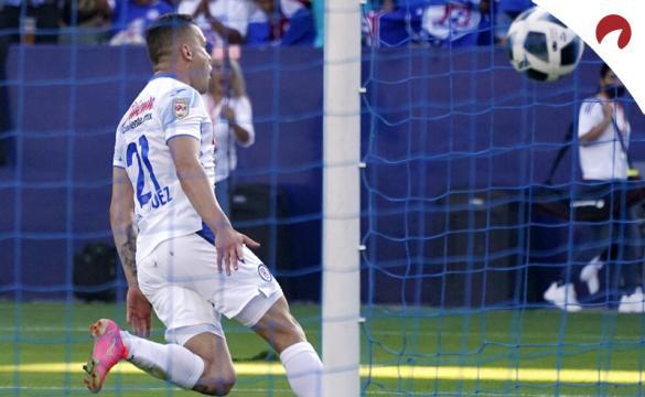 Jonathan Rodríguez, de Cruz Azul, celebra un gol. Cuotas de la cuarta jornada del Apertura, Liga MX.