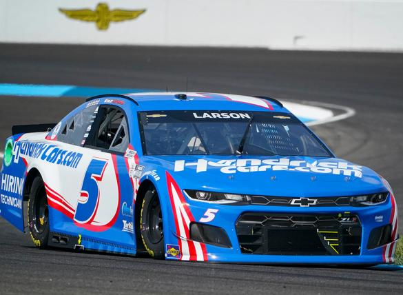 Kyle Larson is the favorite in the FireKeepers Casino 400 Odds.