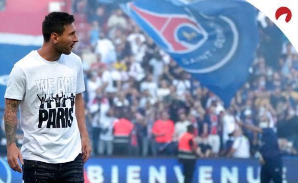 Messi en su presentación con el PSG. Los pronósticos del Reims Vs PSG dicen que el jugador podría debutar en este duelo.