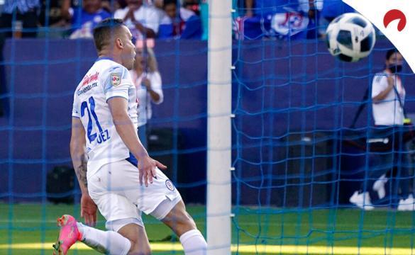 Jonathan Rodríguez celebra un gol en la imagen. Cuotas de la séptima jornada del Apertura 2021 de la Liga MX.