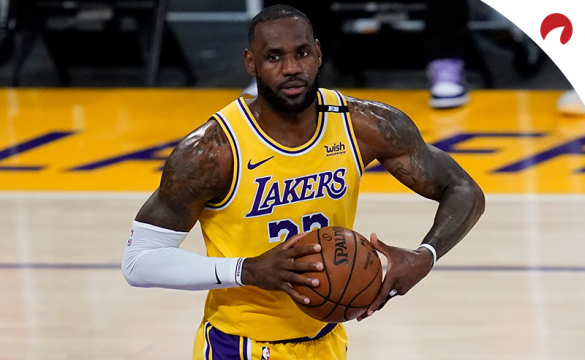 LeBron James and the Los Angeles Lakers are -3000 in NBA playoff odds.