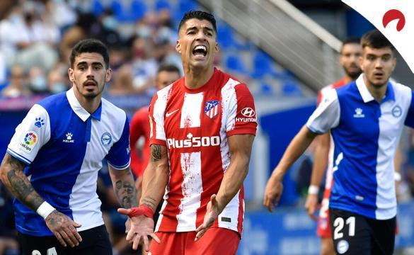 Luis Suárez se lamenta tras una ocasión. Conoce los pronósticos del Milan Vs Atlético de Madrid y las cuotas del partido