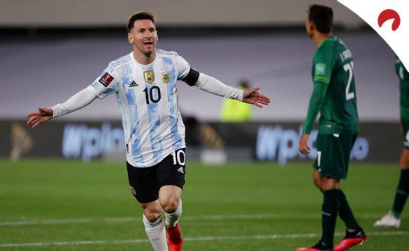 Messi celebra un gol en las Eliminatorias Sudamericanas. Conoce las cuotas y los pronósticos del Paraguay Vs Argentina.