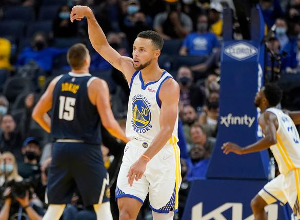 Steph Curry's Warriors are favored in the Clippers vs Warriors odds - Oct. 21.