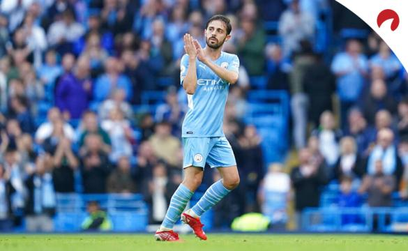 Manchester City are favored in Premier League odds followed by Chelsea, Liverpool, and Manchester United.
